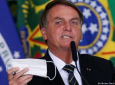 Facebook exclui live em que Bolsonaro relaciona falsamente vacina a aids