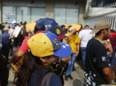 O perigo de uma agressão iminente contra a Venezuela, com migrantes como reféns