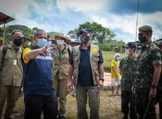 Missão com ministro da Defesa leva 66 mil comprimidos de cloroquina para indígenas