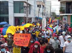 Após dias de protestos, movimentos sociais se reúnem com senadores na Colômbia