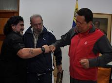 Morre Diego Maradona, ídolo que deixou sua marca no futebol e na política latino-americana