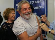 Como estadista, Lula faz aliança com Rússia e China para trazer vacinas ao Brasil