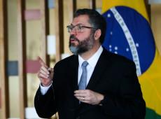 Ernesto Araújo ataca Venezuela e vira motivo de piada em fórum internacional