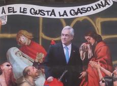 Muros de Santiago se transformam em meios de comunicação