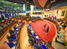 Congresso de El Salvador destitui juízes da Suprema Corte; oposição fala em golpe