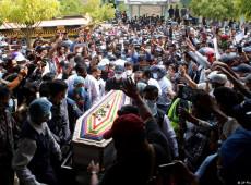 Mianmar dá adeus a jovem morta em ato contra golpe militar