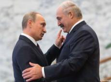 Bielorrússia: Putin recebe Lukashenko, mas condiciona apoio russo a solução pacífica