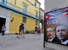 'Cuba não mudou posição, quem se rendeu foram os EUA', diz especialista sobre reaproximação