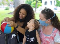 Família é amor: conheça a primeira criança registrada por duas mães em Cuba