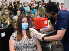 Variante Delta é tão contagiosa quanto a catapora, diz agência sanitária dos EUA