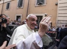 Papa Francisco faz campanha contra guerra na Síria