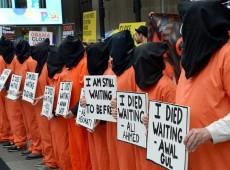 EUA libertam de Guantánamo professor que ficou detido desde 2002 sem julgamento