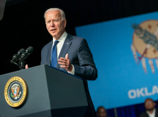 Joe Biden diz que anunciará plano mundial de vacinas contra covid-19