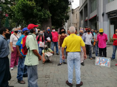 Com máscaras e distanciamento, covid-19 muda campanha eleitoral na Venezuela