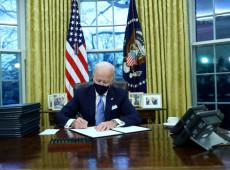 Entenda as ações executivas que Biden assinou logo que ocupou a cadeira presidencial