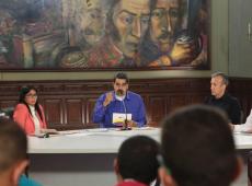 Para driblar bloqueio dos EUA, Maduro faz reforma ministerial na Venezuela