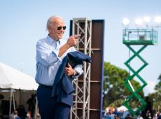 """""""América está de volta"""": Biden inaugura lema de sua política externa com bombardeio à Síria"""