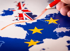 Sob os efeitos da pandemia, Reino Unido e União Europeia negociam impactos do Brexit