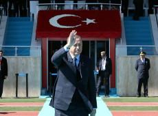 Crise diplomática com Europa traz à tona tensão histórica e fortalecimento de autoritarismo na Turquia