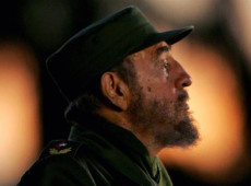 No auge do neoliberalismo, Fidel Castro é o grito da revolução que precisamos no mundo