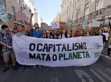 """""""Só um movimento revolucionário de massas pode acabar com o capitalismo"""", afirma Löwy"""