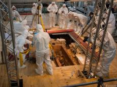 Arqueólogos abrem sarcófago milenar em Mainz