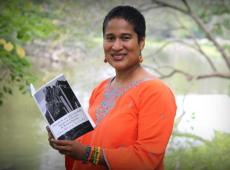 Escritora guatemalteca Ilka Oliva Corado é homenageada em sua cidade natal