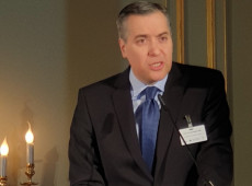 Embaixador é indicado para formar novo governo no Líbano