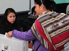 Pesquisa de intenção de voto aponta empate técnico entre 5 candidatos à presidência no Peru