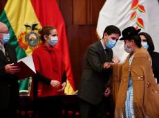 TSE entrega credenciais a parlamentares eleitos na Bolívia