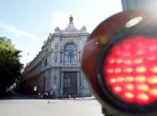 Europa aprova empréstimo de 100 bilhões de euros para salvar bancos da Espanha