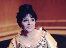 Hoje na História: 2005 - Morre em Barcelona uma das grandes do canto lírico do século XX