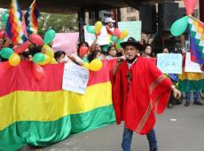 """""""Garantam nosso voto!"""": Bolivianos vão às ruas em SP para exigir """"respeito à democracia"""""""