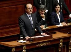 Após ataque em Paris, Hollande diz que quer revisar Constituição para se 'adaptar' a novas ameaças terroristas