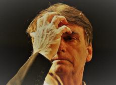 Eleitores mais escolarizados começam a abandonar Bolsonaro, aponta Datafolha