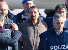79 entidades protestam contra condições desumanas de encarceramento de Battisti