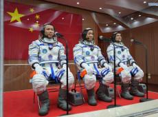 Shenzhou-12: China envia primeiros astronautas para construção de sua nova estação espacial