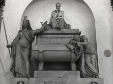 Hitler roubou tumba de Dante, mas italianos tinham trocado ossada