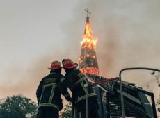 Chile: Membro da Marinha é preso por incendiar igreja dos Carabineros durante manifestação