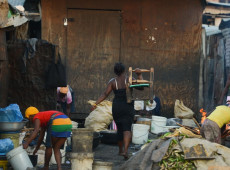 Segundo estudo, ricos perdem 3% da renda com a pandemia, enquanto pobres perdem 32%
