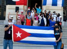 Ao contrário do Brasil, em Cuba não há fila para receber ossos de boi, diz jornalista e escritor Ramon de Castro