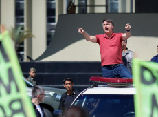 """""""Crime de Bolsonaro não é só ameaça à democracia, mas início de um golpe de estado"""""""