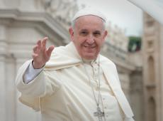 Papa pede a políticos que coloquem o 'bem comum' na frente de 'interesses privados'