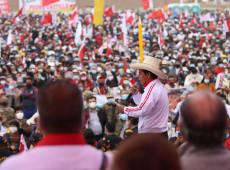 Eleições no Peru: Direita chega à histeria diante da possibilidade da classe trabalhista chegar à presidência da República