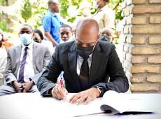 Eleições no Haiti são adiadas em um ano após acordo entre governo e oposição