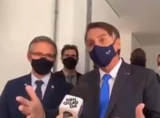 """Presidente da ABI pede renúncia de Bolsonaro após ataques de Bolsonaro a jornalista: """"Descontrolado"""""""