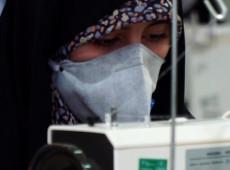 Irã transforma mesquitas e universidades em fábricas de máscaras contra coronavírus