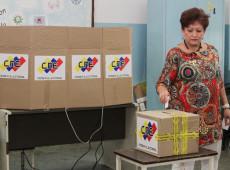 Eleições legislativas na Venezuela: enquanto chavismo reforça base, oposição se divide