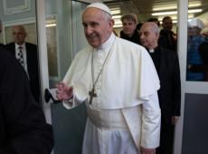 Em bênção de Natal, papa critica 'vírus do individualismo radical'