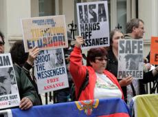 Atilio Borón: Assange e seus vilões